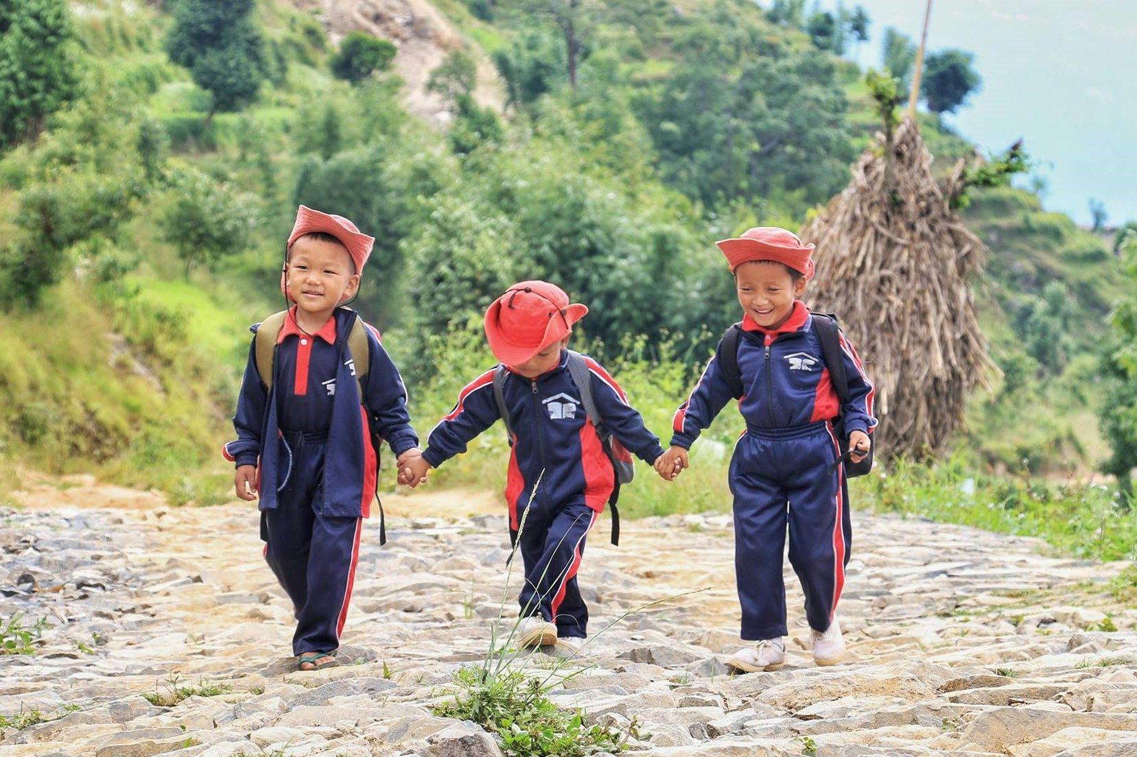 三人子ども写真1
